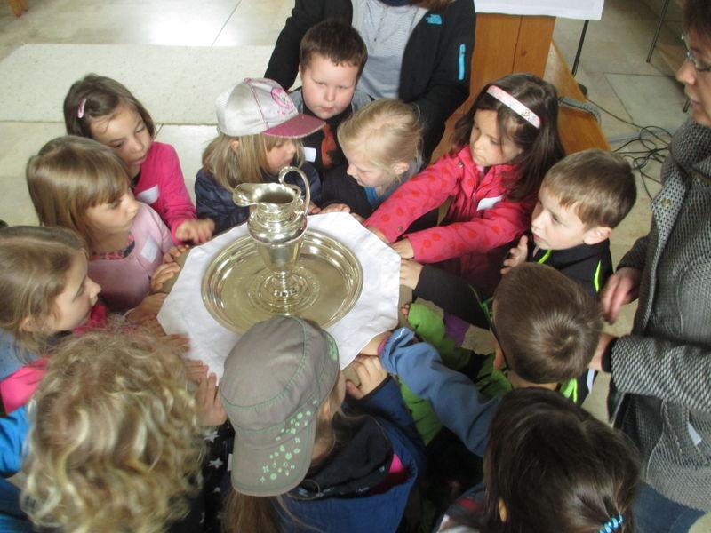 KinderKirchenFührung durch die evangelische Kirche in Friedrichstal